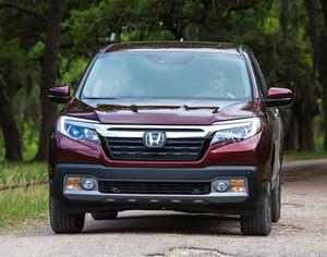 2017 Honda Ridgeline head on