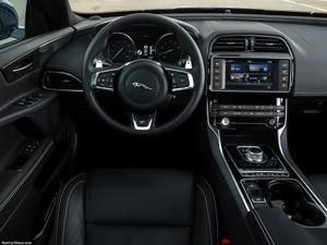 2017 Jaguar XE interior